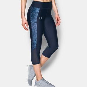 UA logo Under Armour Navy Capri style leggings